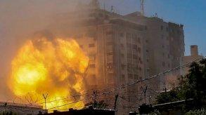 مقتل 17 فلسطينيا في ضربات إسرائيلية الأحد