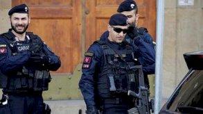إيطاليا تفكك شبكة لتزوير الهويات
