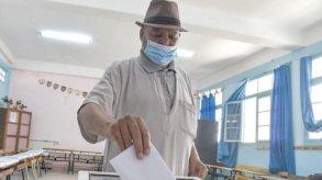 الجزائر تنتظر صدور نتائج انتخاباتها التشريعية وسط إقبال ضعيف