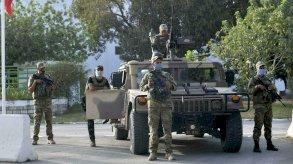 هكذا نجح الرئيس التونسي في استمالة الجيش واقناعه بقراراته