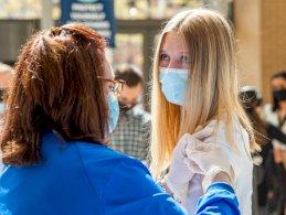 بريطانيا لتطعيم ما بين 12 و15 عاماً