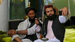 طالبان لعناصرها: التقاط السيلفي ممنوع!