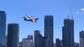 طائرة عسكرية تثير الهلع في أستراليا