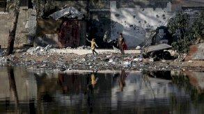 حصار وانقسام سياسي.. سكان قطاع غزة يتسممون ببطء