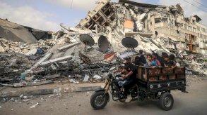 غزة: عشرات آلاف الفقراء يتسلمون مساعدات مالية قطرية