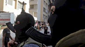 حزب الله يرهب اللبنانيين: عندي 100 ألف مسلح!
