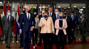 في قمتها الأخيرة.. قادة أوروبا يصفقون وقوفاً لميركل