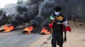 انقلاب السودان.. البيت الأبيض يدعو لإطلاق حمدوك فورًا