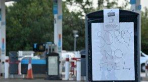 بريطانيا.. خروج وشيك من لهيب أزمة الوقود