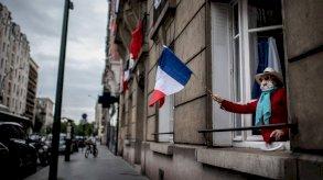 فرنسا تحث من تزيد أعمارهم على 55 عاماً على تلقي لقاح أسترازينيكا