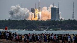 نجاح الصين في إنزال روبوت صغير على سطح المريخ يعكس طموحاتها الفضائية