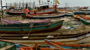 الإعصار المدمر في الهند يعرقل جهود مكافحة تفشي فيروس كورونا