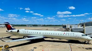 الولايات المتحدة: تحويل مسار طائرة هدد راكب بـ