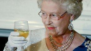 يا صاحبة الجلالة توقفي عن الكحول
