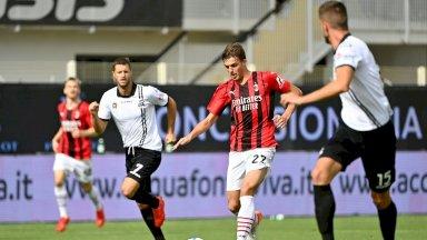 مهاجم ميلان دانييلي مالديني خلال مباراة فريقه أمام سبيتسيا 2-1، في افتتاح مباريات المرحلة السادسة في 25 أيلول/سبتمبر 2021