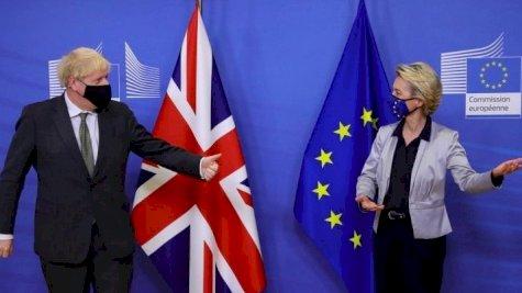 رئيس الوزراء البريطاني بوريس جونسون ورئيسة الإتحاد الأوروبي أورسولا فون دير لاين
