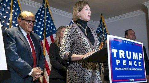 المحامية سيدني باول زعمت أن بايدن فاز بالانتخابات عبر دعم