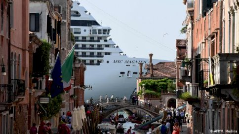 دور أوروبية عدة افتتحت مواسمها السياحية الصيفية