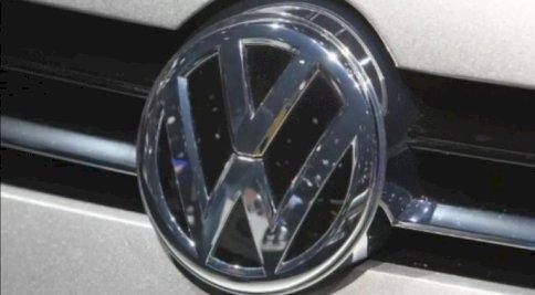 صورة من الأرشيف لشعار شركة فولكسفاغن على أحد سياراتها