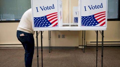 أحرزَ الديموقراطيّون الذين يحضّون على التصويت المُبكر، تقدّمًا في عدد الأصوات المدلى بها حتّى الآن