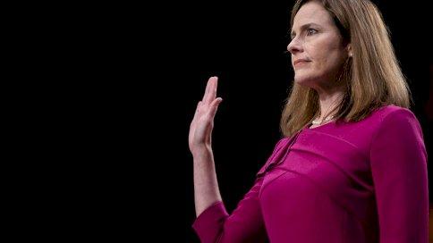 القاضية ايمي كوني باريت في الكونغرس الأميركي في 12 تشرين الأول/أكتوبر 2020