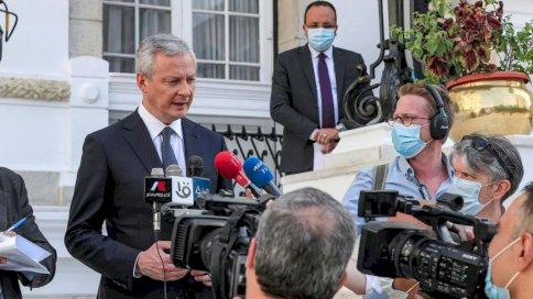 وزير الاقتصاد الفرنسي برونو لومير يتحدث إلى الصحفيين في العاصمة المصرية القاهرة