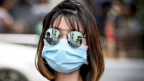 خبراء أميركيون يستغنون قريبًا عن ارتداء الكمامة الواقية في الأماكن المغلقة