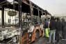 حطام حافلة أضرمت فيها النيران فيها خلال تظاهرة سابقة للاحتجاج على ارتفاع أسعار الوقود في أصفهان
