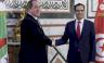 مصافحة بين وزيري خارجية تونس والجزائر في العاصمة التونسية