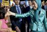 رئيسة المجلس الوطني للمقاومة الايرانية مريم رجوي خلال اجتماع للمعارضة الايرانية قرب باريس هذا الشهر