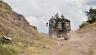 شاحنة أرمنية لنقل الجند على الحدود الارمنية الاذربيجانية